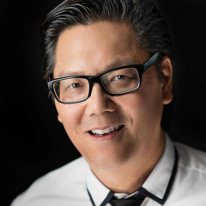 http://visualnationexpo.com/wp-content/uploads/2016/03/Scott-Robert-Lim-head-shot_SQ.jpg